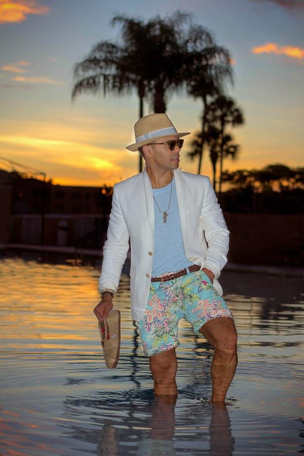 Floral print shorts for men